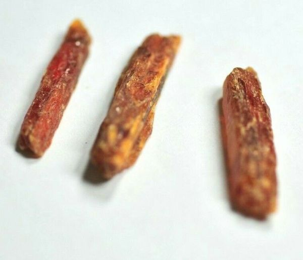 3 LOVELY SMALL GEMMY ORANGE KYANITE CRYSTALS - 2.5 to 3.2 cms 2.53 gms  #z